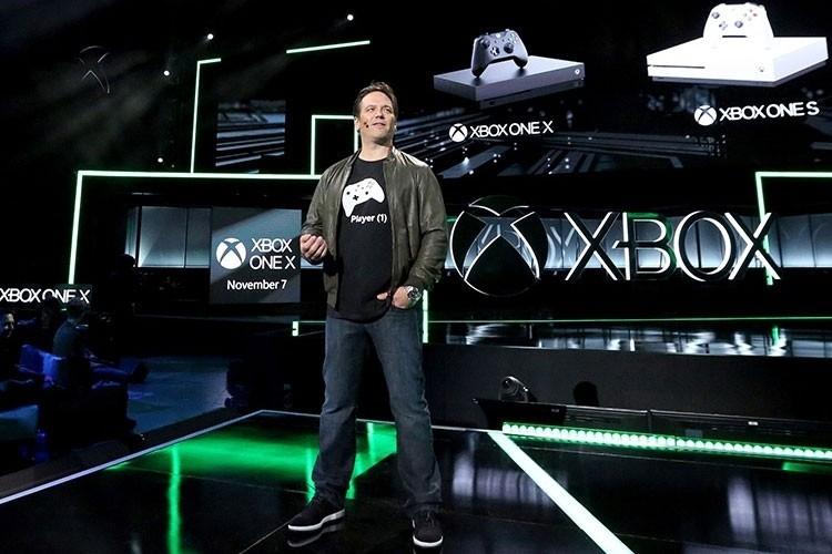 Фил Спенсер из Microsoft: PS4 Pro — конкурент Xbox One S, а не настоящая 4K-консоль