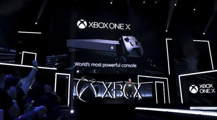 Sony считает выпуск Xbox One X ошибкой Microsoft